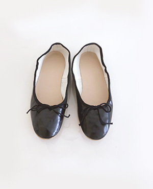 me flat shoes / black