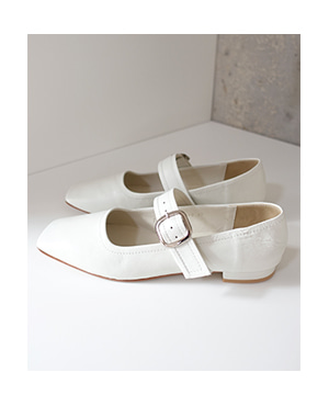 buckle bell shoes ( 2color )